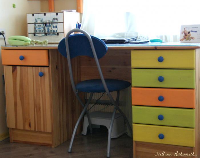 Перекрасить письменный стол