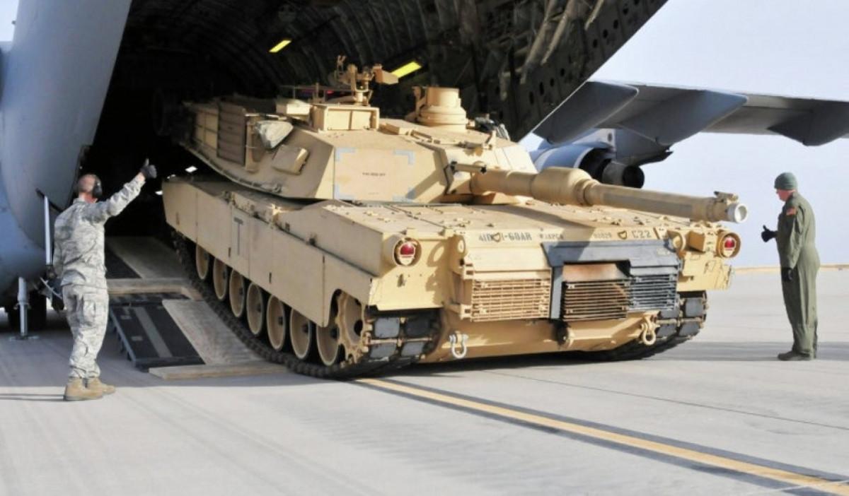 """В США всё """"заканчивается деньгами"""": Москва ответила на заявление НАТО о скорой войне"""
