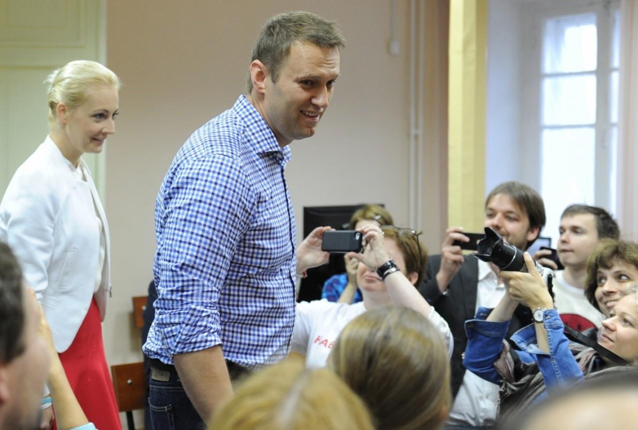 Александр Росляков. ВСЯ ВЛАСТЬ – ПУПЫРЫШКАМ! Зачем Навальному мэрские выборы?