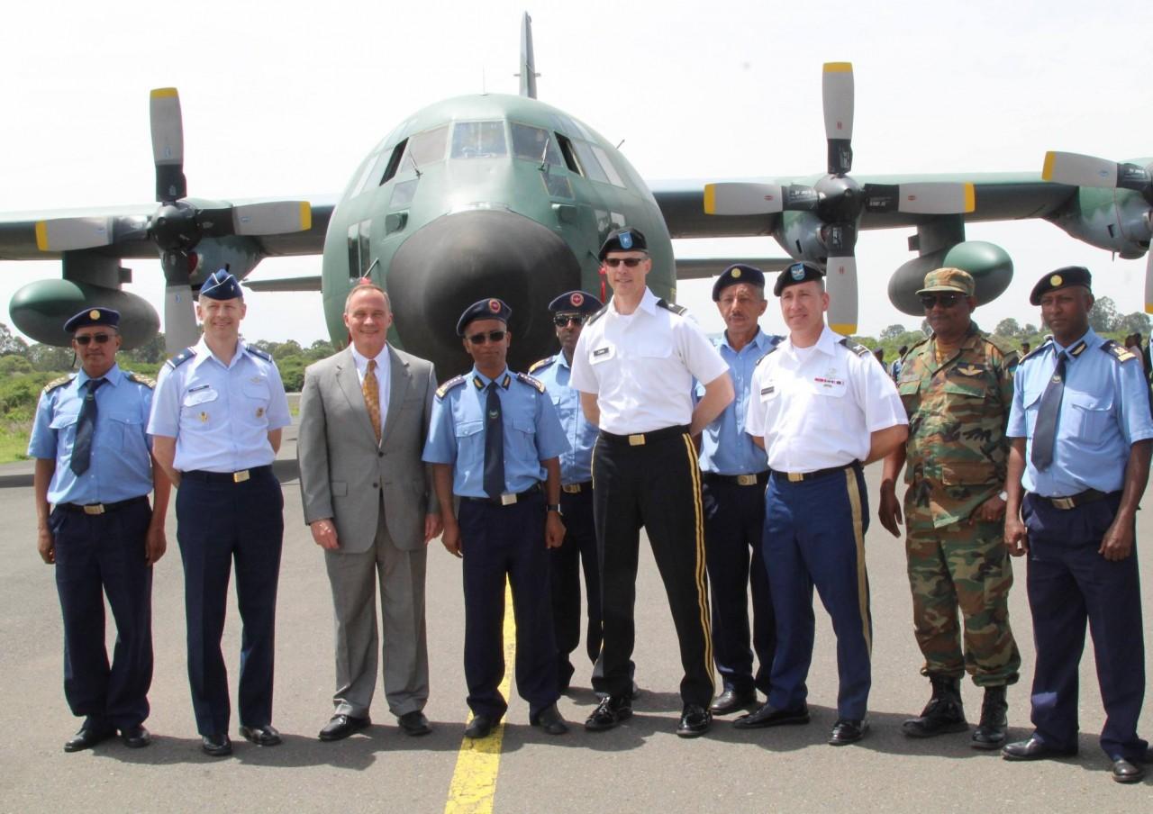США передали Эфиопии военно-транспортный самолет С-130Е Hercules