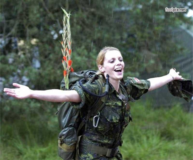 Девушки на службе в армии фото 5