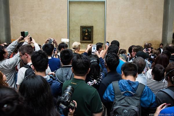 Сумасшедший дом в Лувре: зачем всем так нужна Мона Лиза
