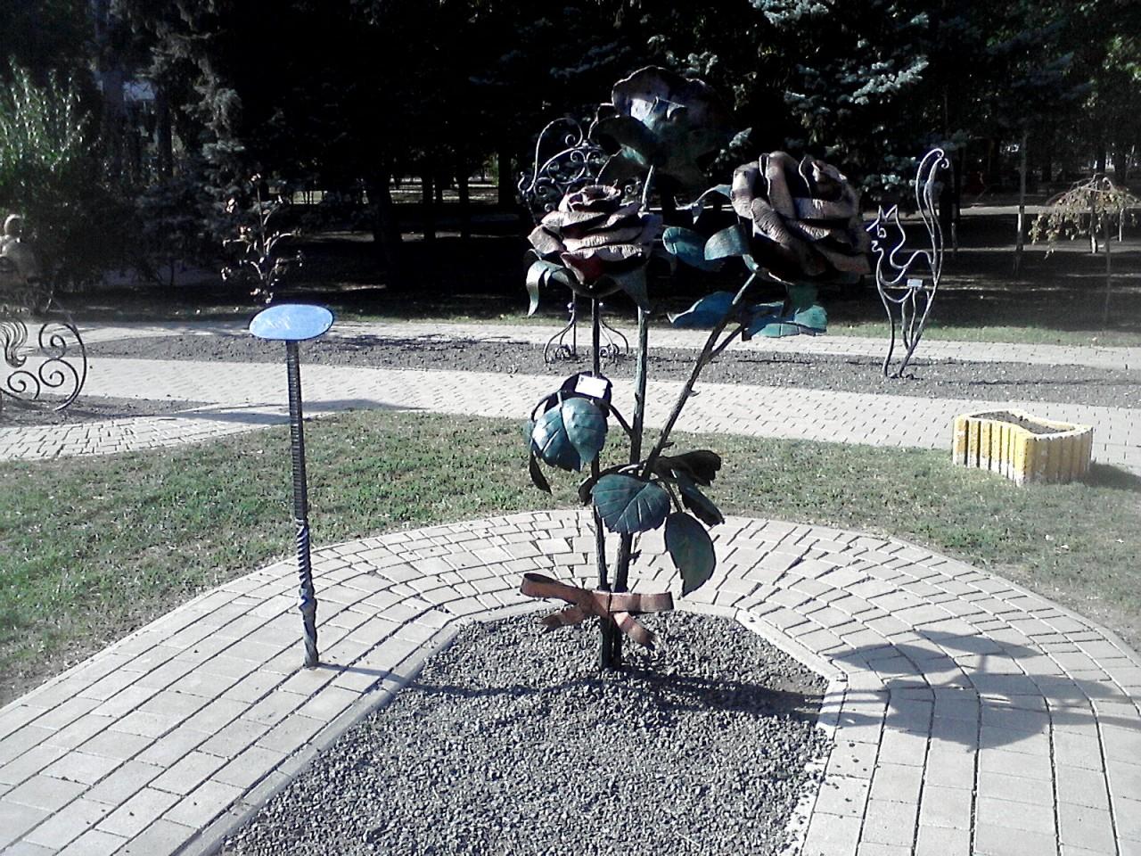 Донецк – осенняя сказка и реальная боль