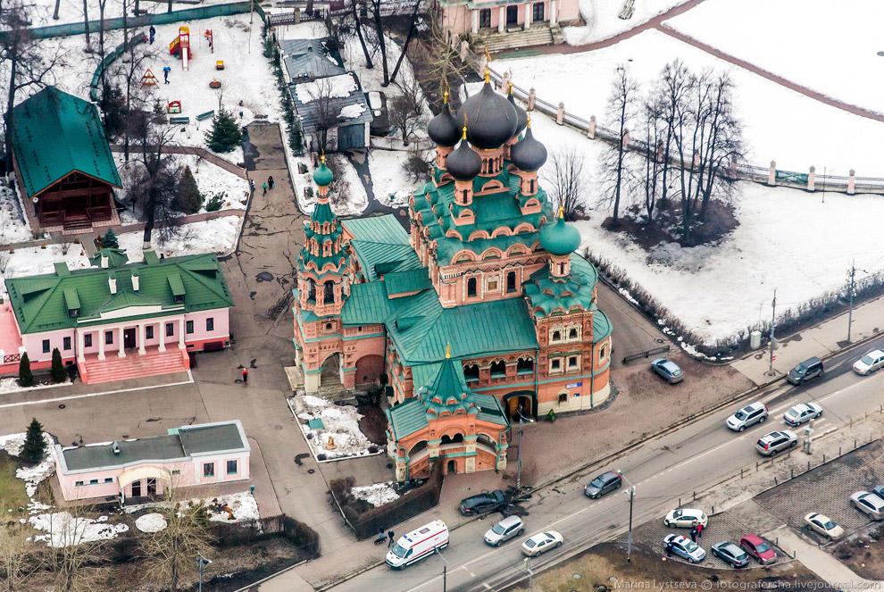 Храм Троицы живоначальной в Останкино.