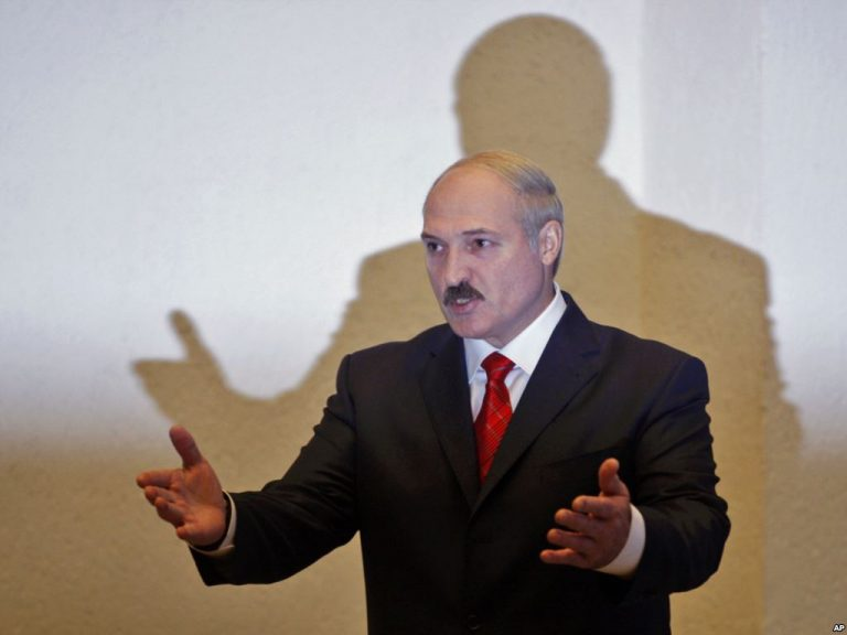 Лукашенко отругал Назарбаева
