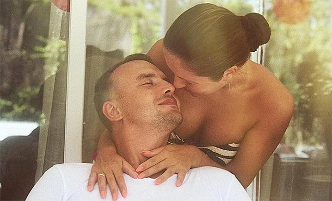Муж Нюши показал их личные фотографии по случаю ее дня рождения