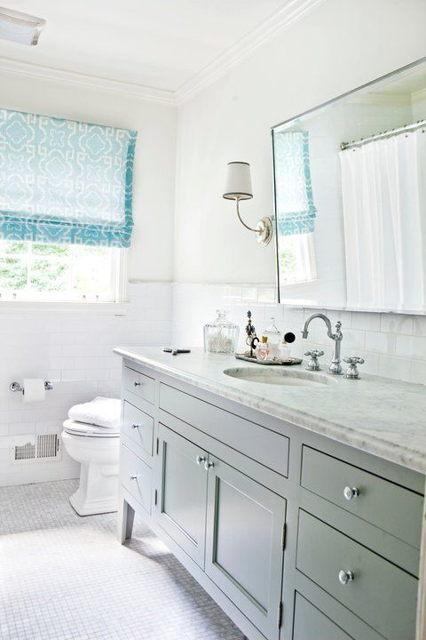 Как прикрепить зеркало в ванной к плитке
