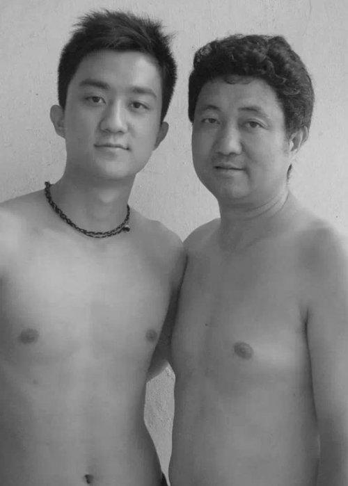 Отец с сыном каждый год делают одну и ту же фотографию (29 фото)