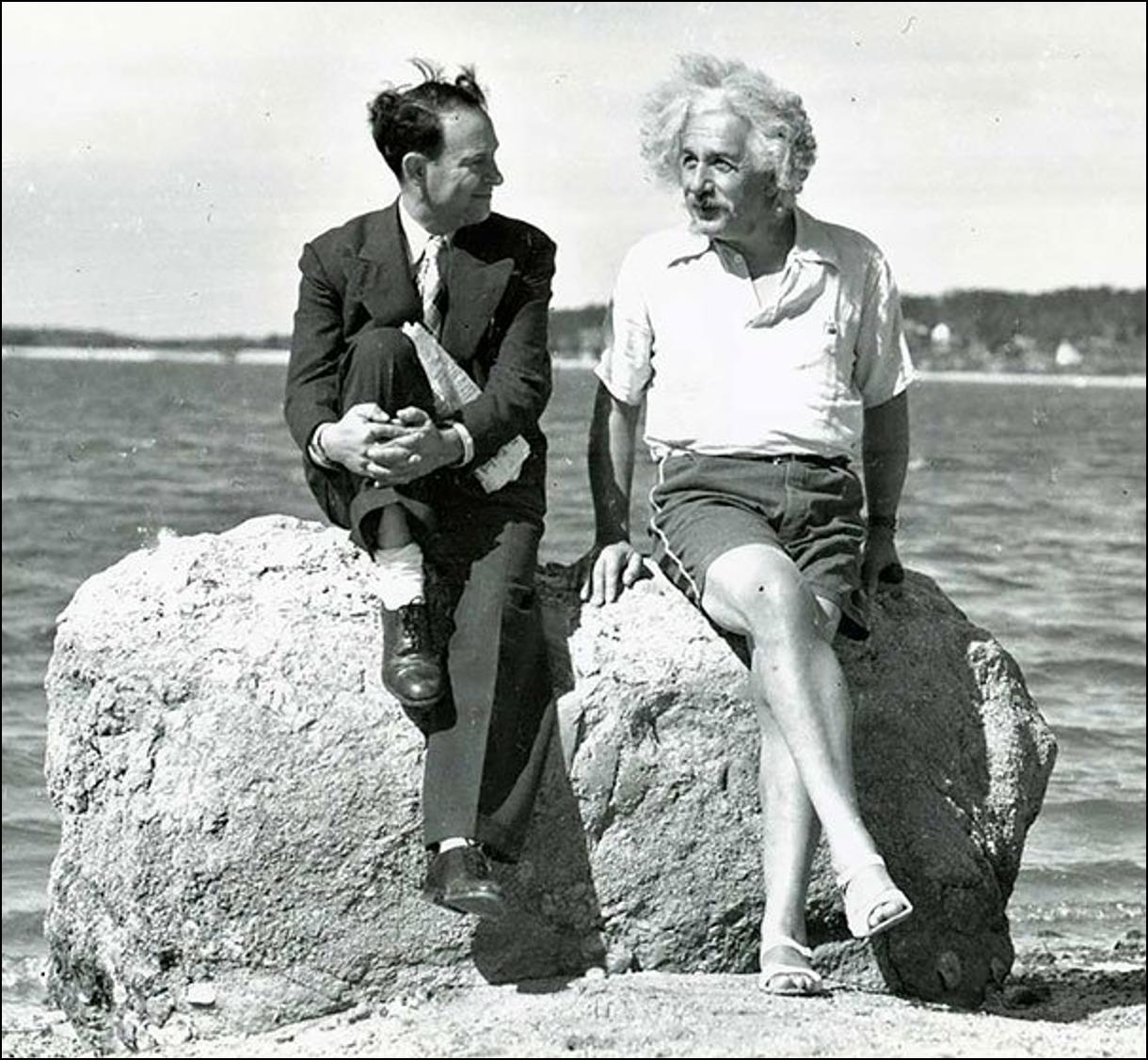 Альберт Эйнштейн, лето 1939, Лонг Айленд Историческая фотография, история, факты