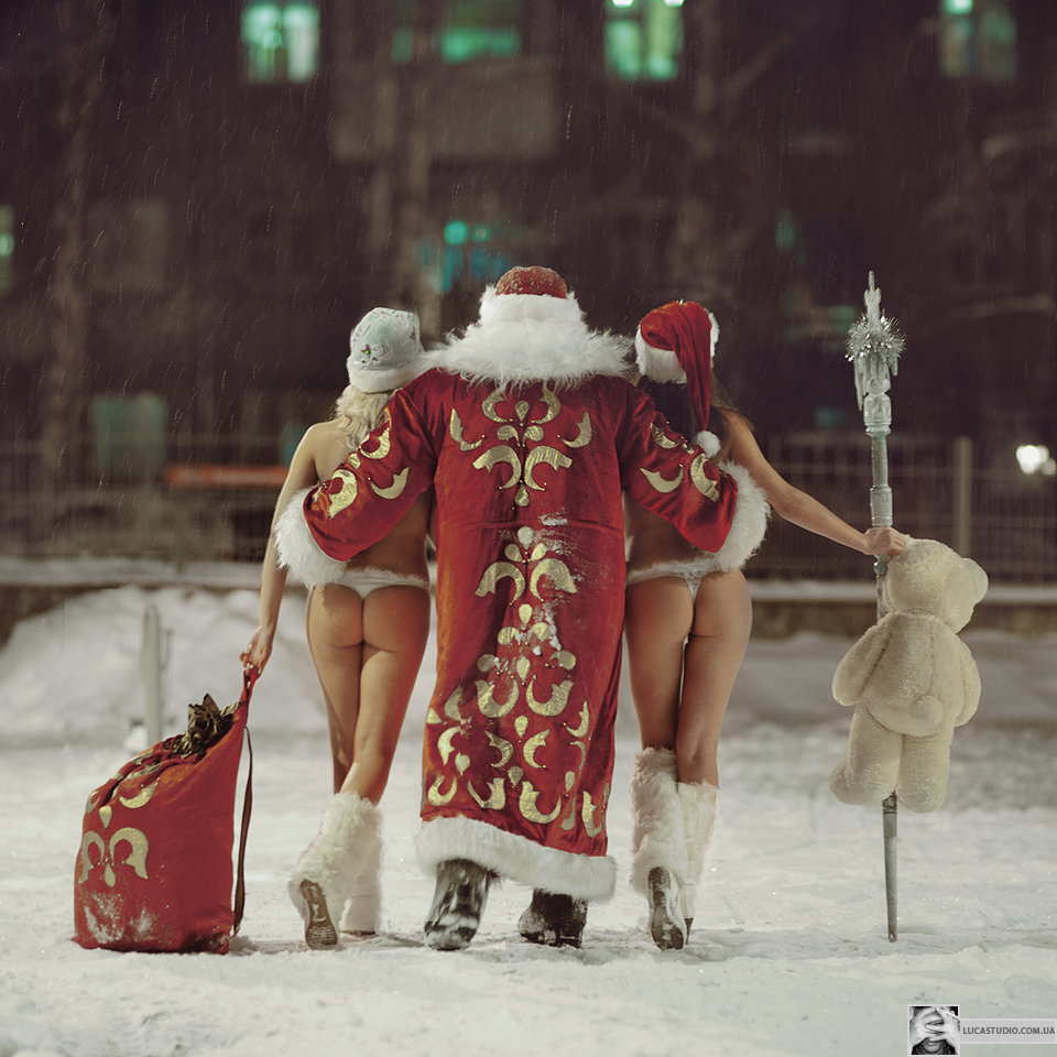 У снегурочки под юбкой 1 фотография