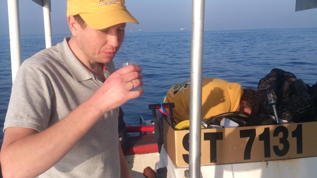 рыбалка в персидском заливе с берега 2016