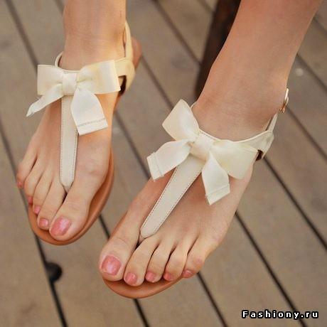 Ни один летний гардероб не будет полным без пары таких сандалий