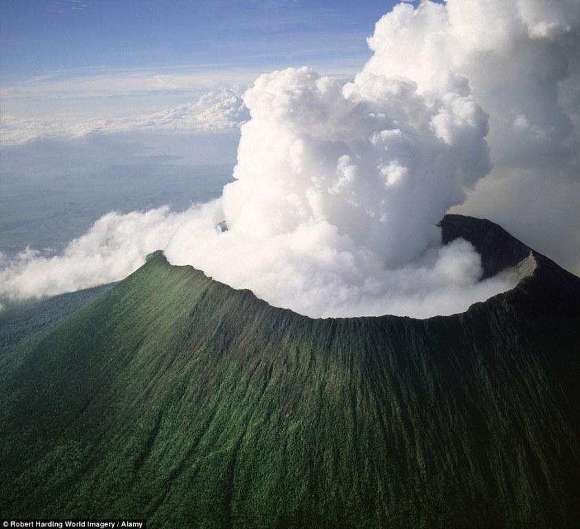 16 потенциально смертоносных вулканов, которые могут проснуться в любую минуту