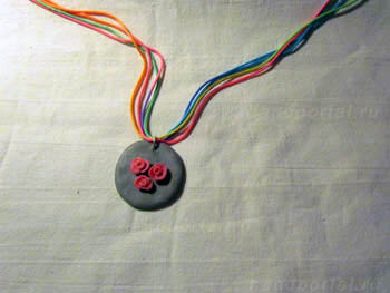 Кулон «Красная роза» из полимерной глины