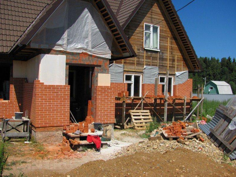 Как обложить деревянный дом кирпичом своими руками