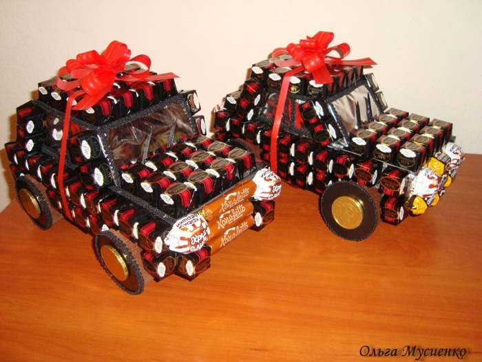 Машина из конфет мастер класс пошаговое