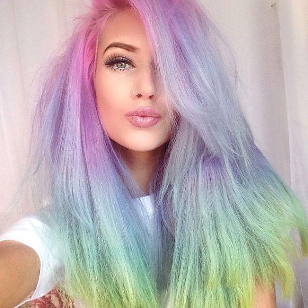 Горячий тренд: радужные волосы и причёски с ними