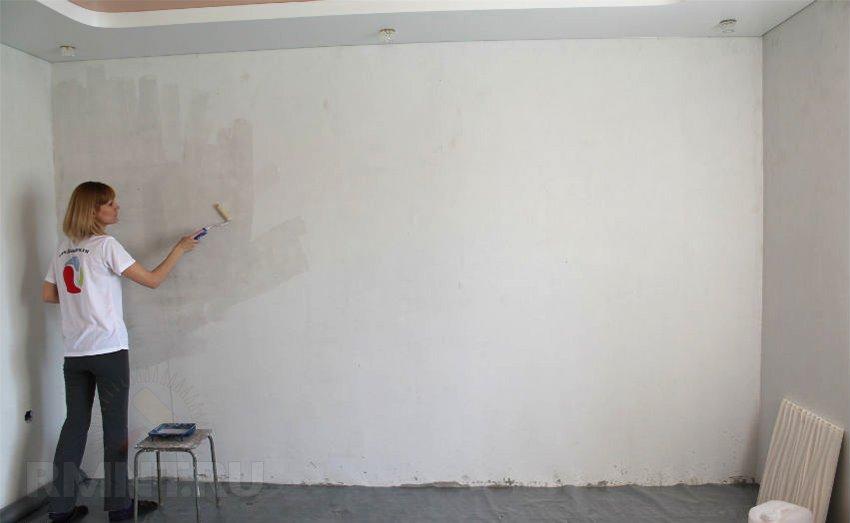 Грунтовка стены из гипсокартона