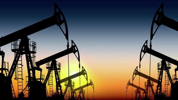 Стоимость нефти Brent упала ниже $54 за баррель впервые за год