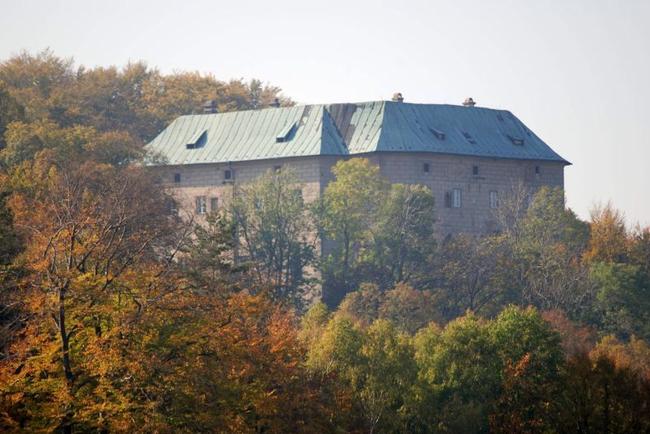 4.Замок Гоуска, Чехия дыра, мир, преисподняя