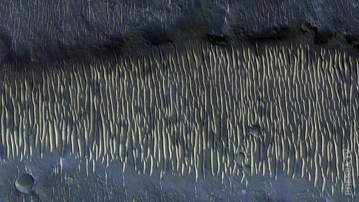 Загадочные ландшафты Марса под объективом аппарата MRO