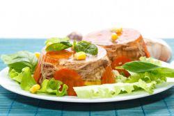 Рецепт холодца из свиных ножек с говядиной.