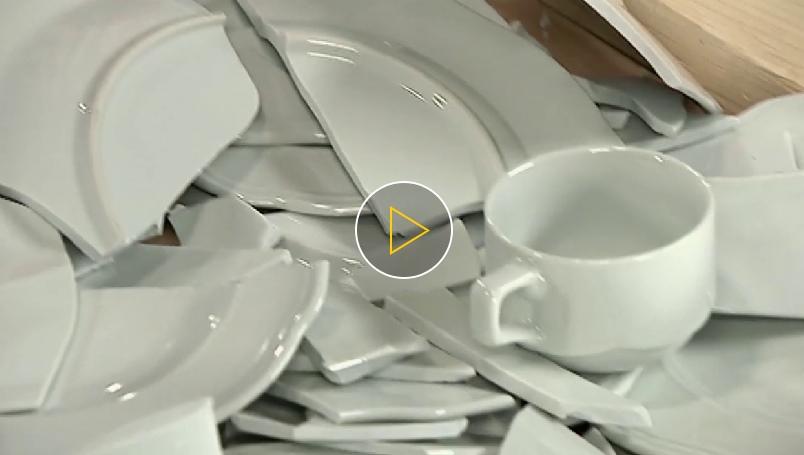 Как сделать произведение искусства из битой посуды