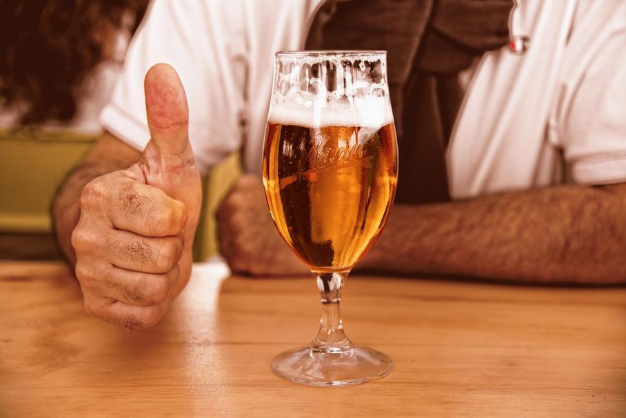 Немец потушил свой Volkswagen пивом
