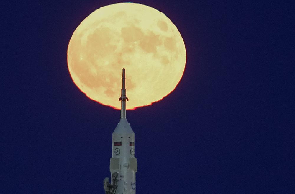 Роскосмос: Первые россияне начнут отрабатывать «операции деятельности космонавтов на Луне» в 2031 году