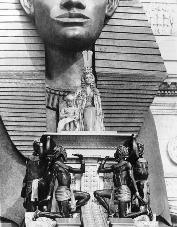 Элизабет Тейлор (Elizabeth Taylor) на съемках фильма «Клеопатра» (Cleopatra) (1963), фото 19