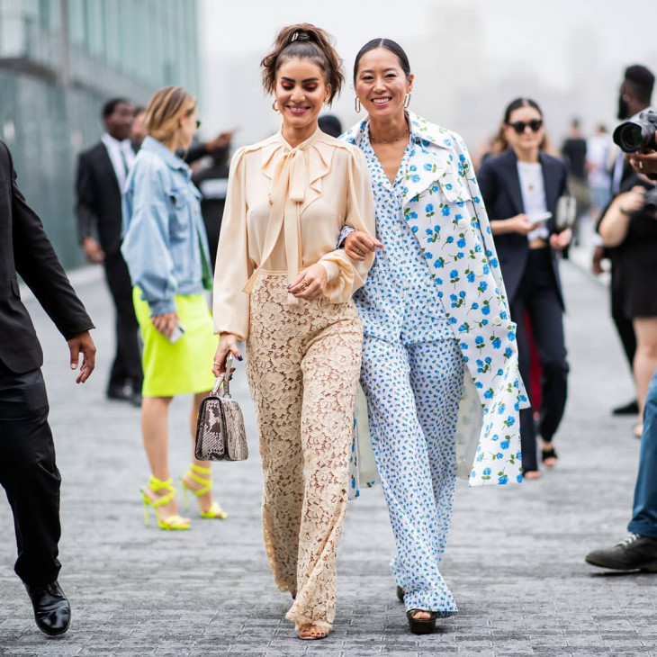 какие брюки в моде - кружевные
