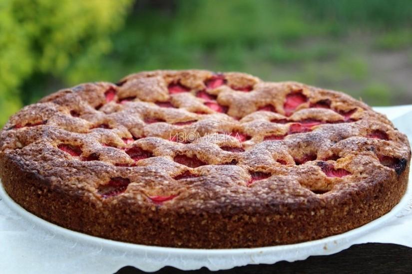 Пирог с клубникой - рецепт вкусной домашней выпечки
