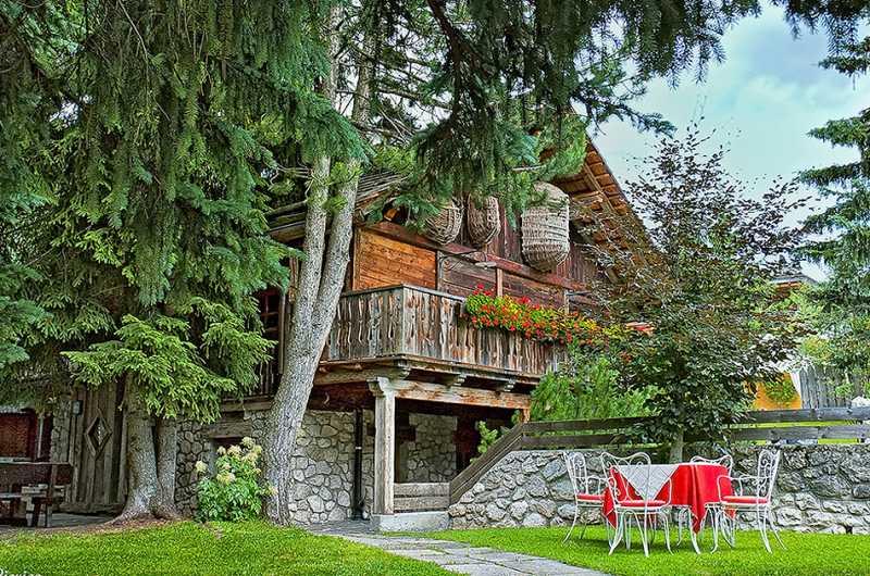 Сан-Виджилио-ди-Мареббе - очаровательная горная деревушка Италии