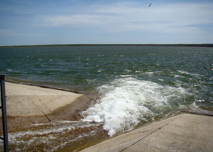 Крым покончил с водным шантажом Украины : Чтобы напоить полуостров, Днепр уже не нужен!