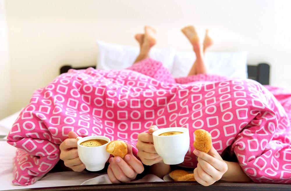 С полпинка: как продрать глаза утром и нормально уснуть ночью?