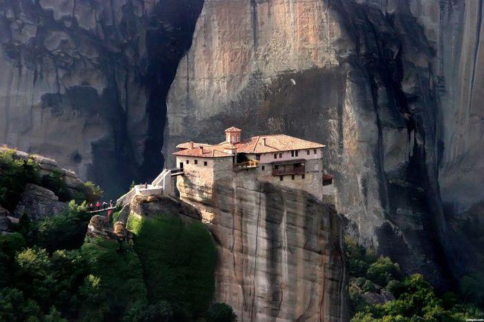 Фото Монастыри Метеоры, Греция. 16 (700x466, 59Kb)