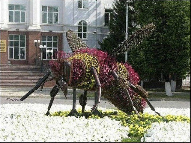 Памятник бурзянской пчеле. Уфа. Прикольные памятники, факты