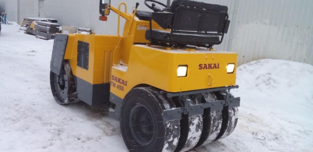 Каток Sakai TW 450W