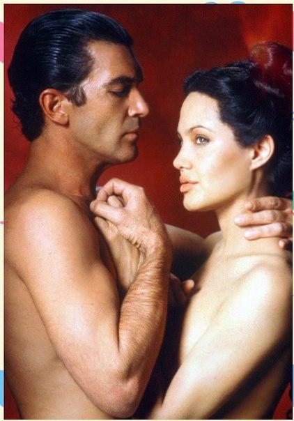Анджелина и бандерос постельная сцена