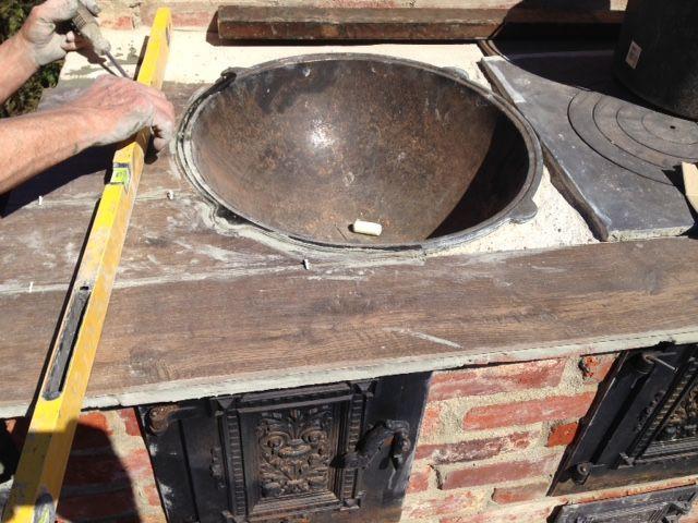 Я ее год строил печь, своими руками