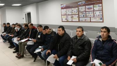 Россияне переоценили число мигрантов в стране и не угадали свой средний возраст