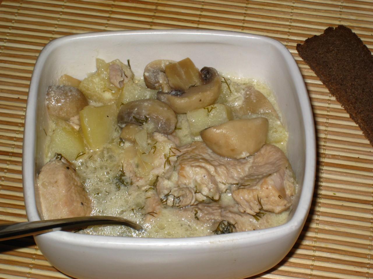 Жульен с грибами и курицей со сметаной рецепт пошагово