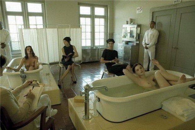 фото голые в больнице
