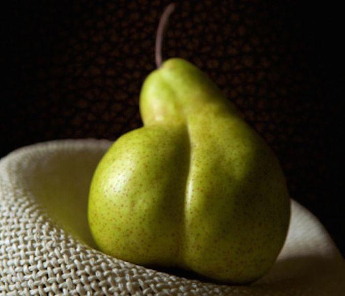 2. Такая заманчивая грушка! испорченность, фантазия, фрукты