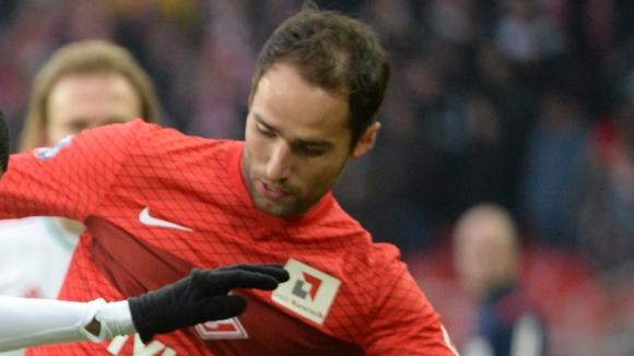 Руководство московского клуба обрисовало полузащитнику два варианта развития его карьеры
