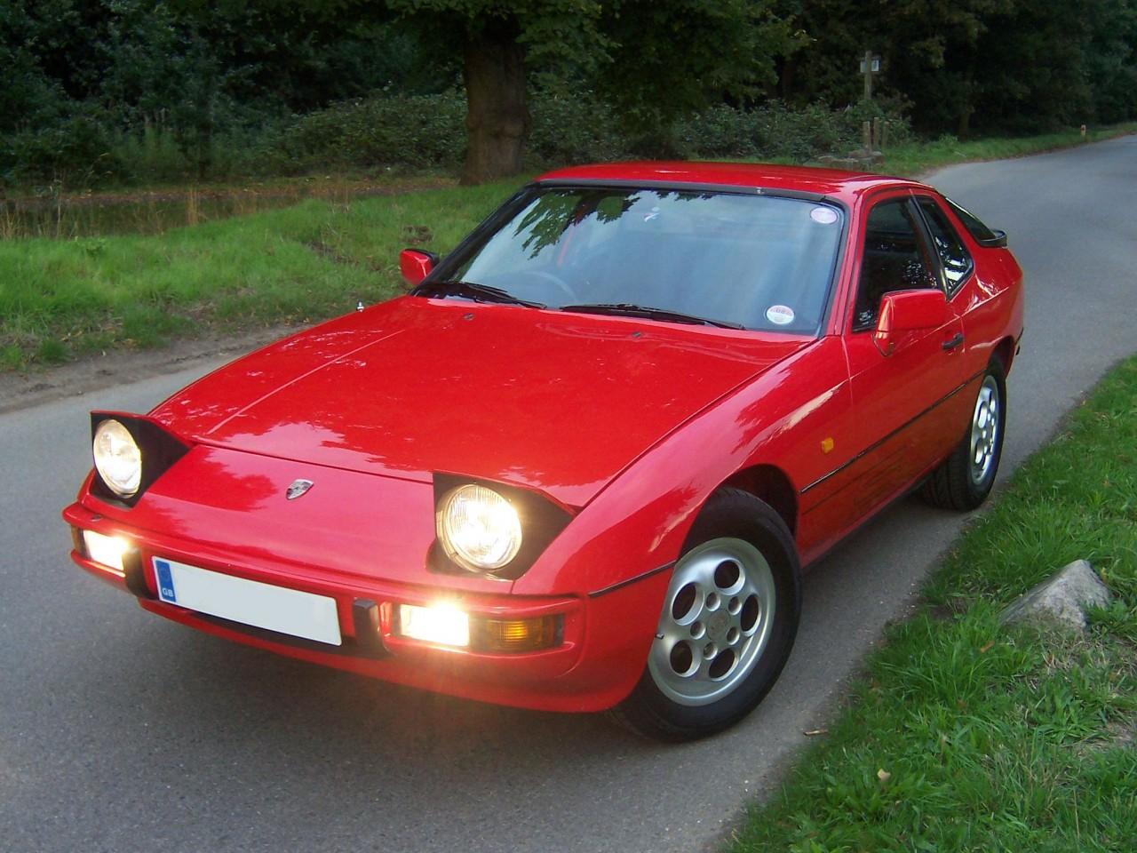 http://upload.wikimedia.org/wikipedia/commons/8/8d/Porsche924S.JPG