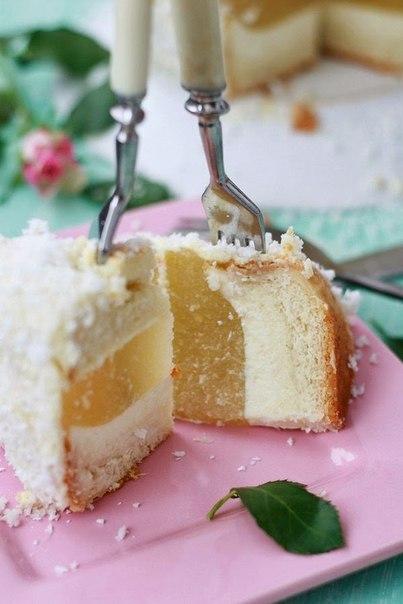 Торт с прослойкой из чизкейка и ананасовым желе