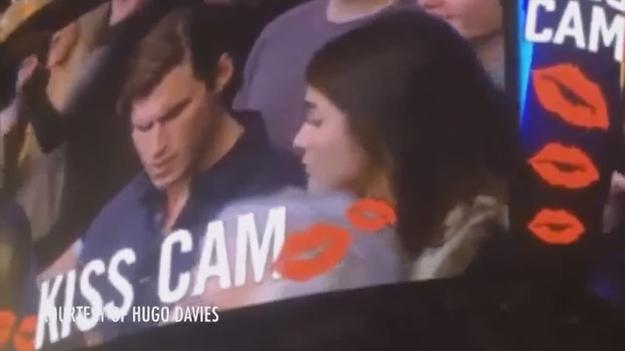Измену девушки прямо на баскетбольном матче засняли на видео