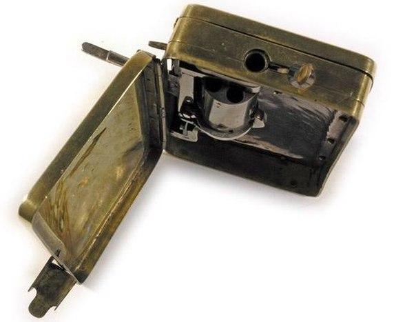 Кошелёк со встроенным пистолетом