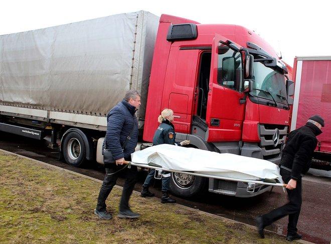 Российский дальнобойщик повесился из-за закрытия границы Польшей